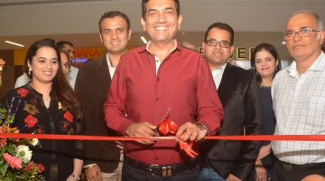Celebrity Chef Sanjeev Kapoor Inaugurates 'The Yellow Chilli' Restaurant at Mall De Goa