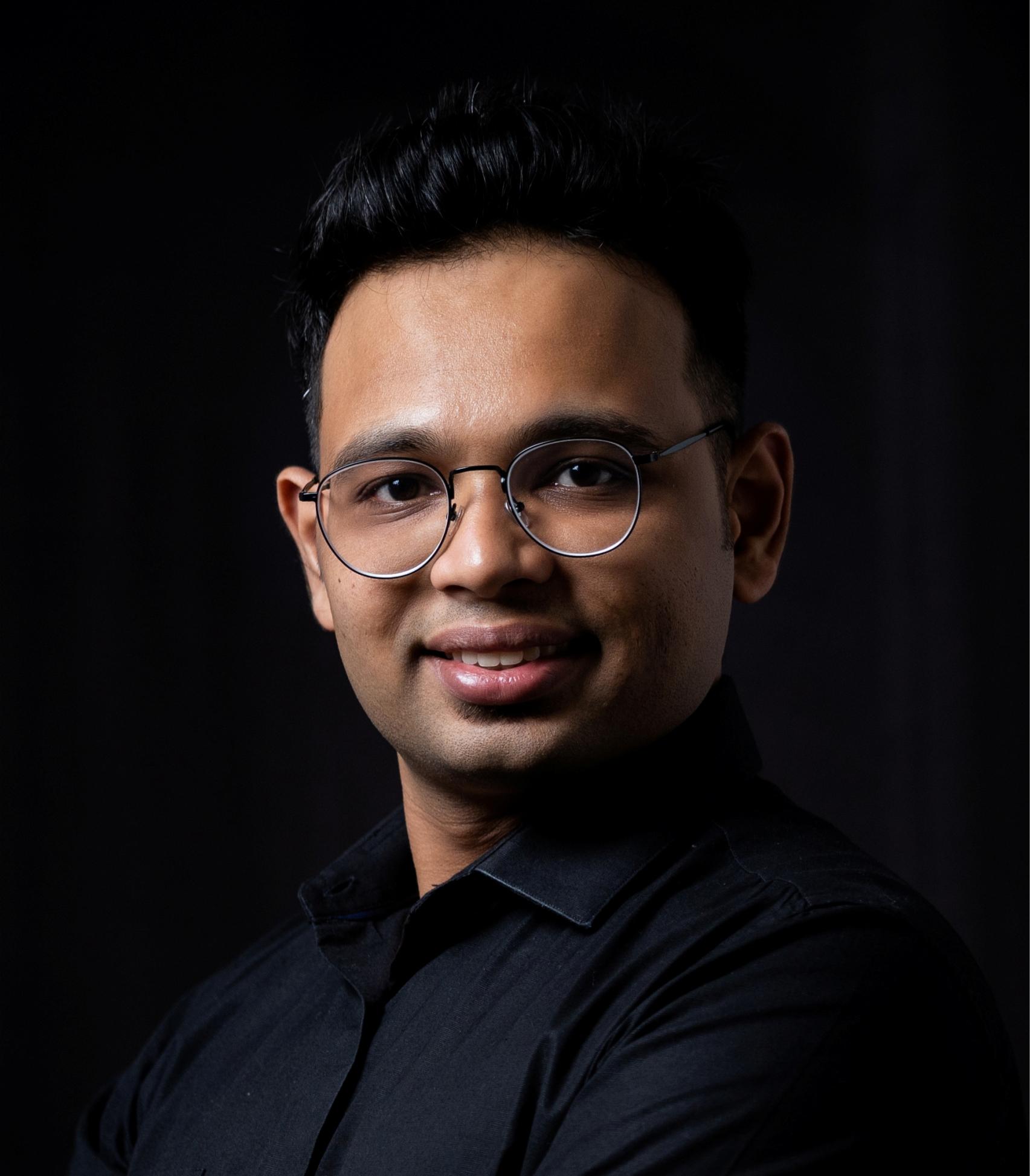 Dr Paresh Lotlekar